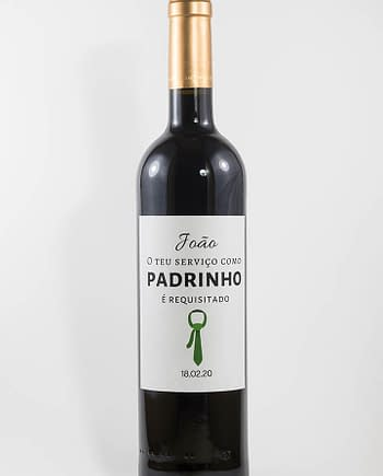 Garrafa de vinho tinto com rótulo personalizado - Casamento - O teu serviço como padrinho é requisitado, gravata verde