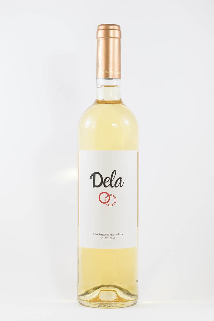 Garrafa de vinho branco com rótulo personalizado - Casamento - Dela com anéis, nome e data