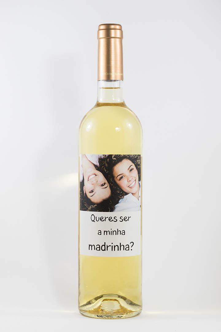 Garrafa de vinho branco com rótulo personalizado - Casamento - Queres ser a minha madrinha? - com fotografia