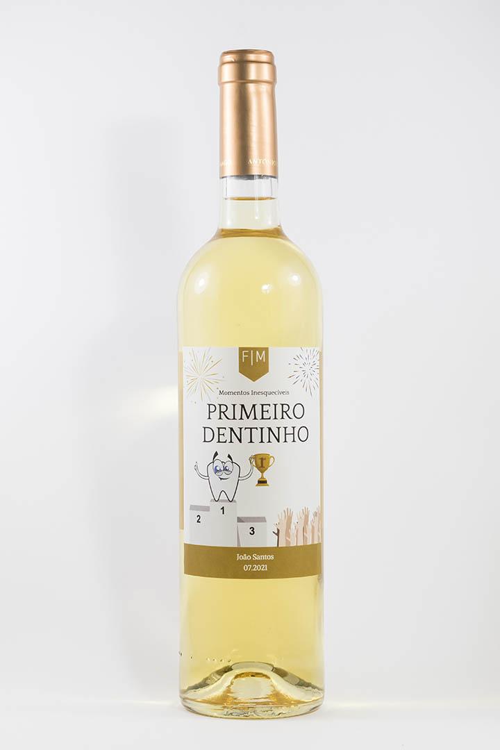 Garrafa de vinho branco com rótulo personalizado - Nascimento - Primeiro dentinho