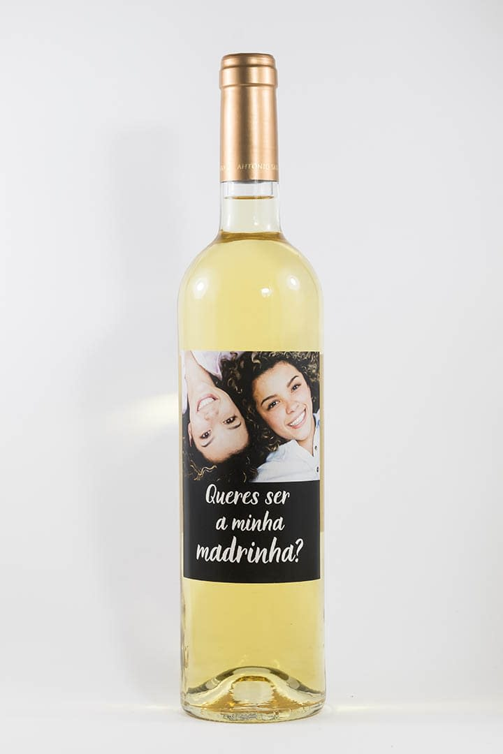 Garrafa de vinho branco com rótulo personalizado - Casamento - Queres ser a minha madrinha?