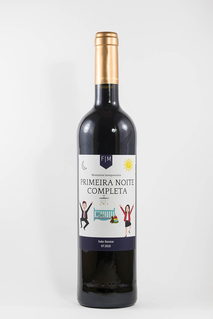 Garrafa de vinho tinto com rótulo personalizado - Nascimento - Primeira noite completa