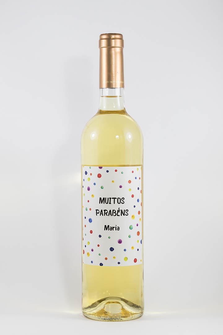 Garrafa de vinho branco com rótulo personalzado - Aniversário - Muitos parabéns, com pontos de cor e nome personalizável