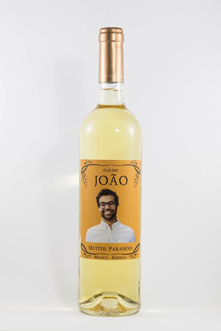 Garrafa de vinho branco com rótulo personalizado - Aniversário - Aniversário premium, com fotografia sem fundo e cor de laranja