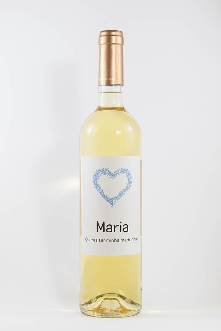 Garrafa de vinho branco com rótulo personalizado - Casamento - Queres ser minha madrinha, com nome e coração cor de azul