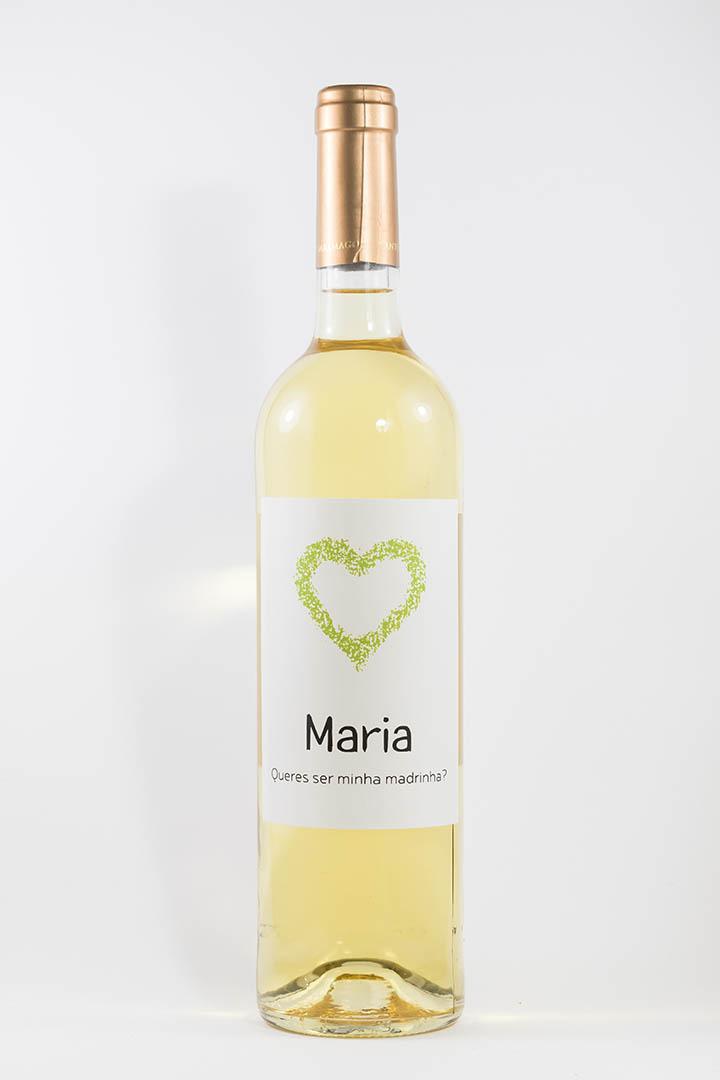 Garrafa de vinho branco com rótulo personalizado - Casamento - Queres ser minha madrinha, com nome e coração verde